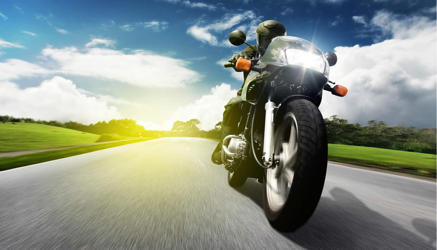 اموزش رانندگی با موتور